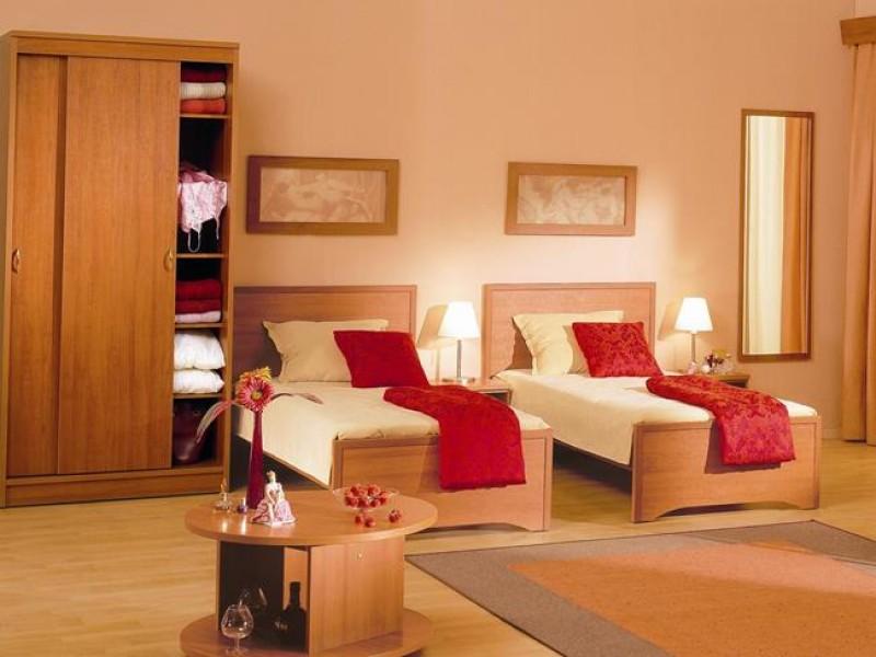 кровати для гостиницы