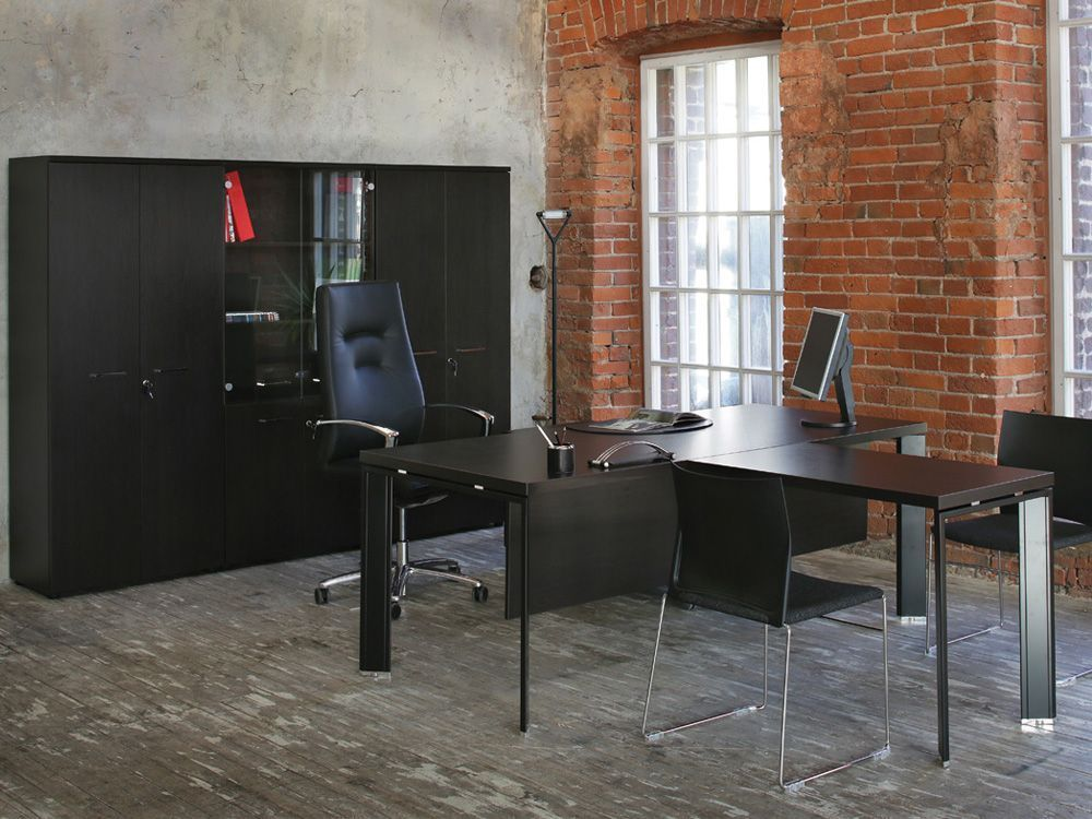 Стол с брифинг приставкой
